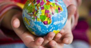 5 raisons d'acheter une carte du monde à ses enfants
